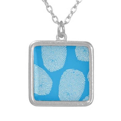 090906 Untersuchung BLAUER FINGERABDRUCK-DETEKTIV Halsketten