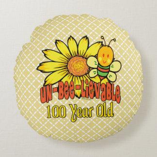 100. Geburtstag - unglaublich bei 100 Jahren alt Rundes Kissen