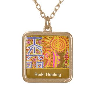 100 Halsketten-Juwelen durch Navin Joshi Vergoldete Kette