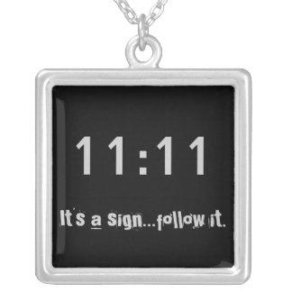 1111 ist es ein Zeichen… folgt ihm quadratische Versilberte Kette