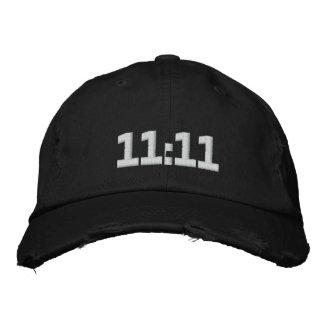 11:11 BESTICKTE BASEBALLKAPPE