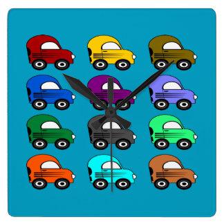 12 bunte elektrische Autos in 12 Farben Quadratische Wanduhr