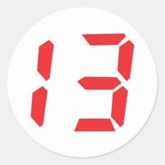 13 digitale Zahl des Weckers mit dreizehn Rottönen Runder Aufkleber