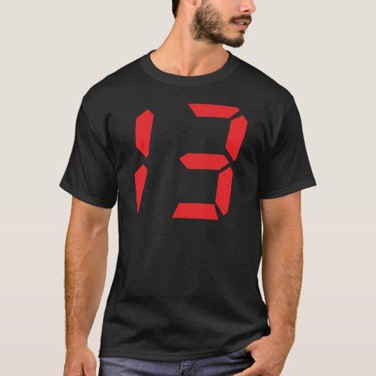 13 digitale Zahl des Weckers mit dreizehn Rottönen T-Shirt