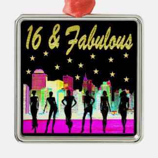 16 U. FABELHAFTER NYC DIVA-ENTWURF QUADRATISCHES SILBERFARBENES ORNAMENT