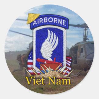 173. abn im Flugzeug Brigaden-Vietnam-Krieg Runder Aufkleber