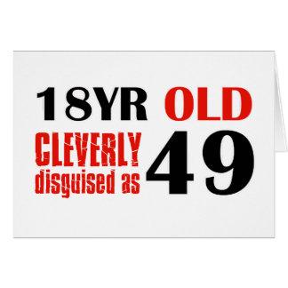18 Jährige klug verkleidet als 49 Karte