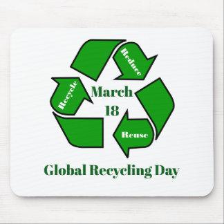 18. März globaler recycelnder Tagesentwurf Mousepad