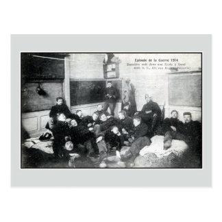 1914 Soldaten, welche die Nacht in einer Postkarte
