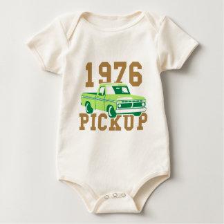 1976_Pickup_v2_dd.png Baby Strampler