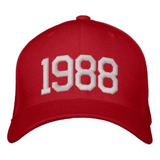 1988-jährig bestickte kappe