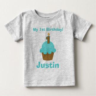 1. Geburtstags-blauer kleiner Kuchen mit Kerze Baby T-shirt