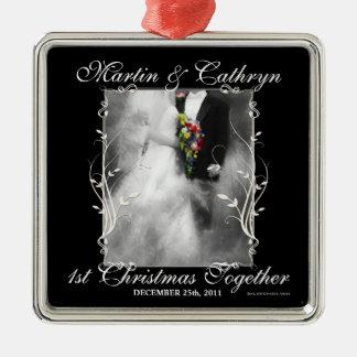 1. Weihnachtsverheiratetes Schwarzweiss Silbernes Ornament