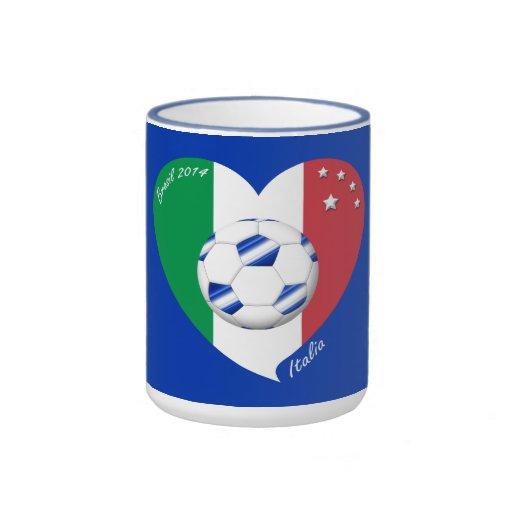 2014 weltweiter FUSSBALL von ITALIEN Flagge und bl Teetassen