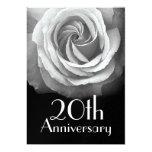 20. Jahrestags-silberne weiße Rose metallisch Einladungskarten