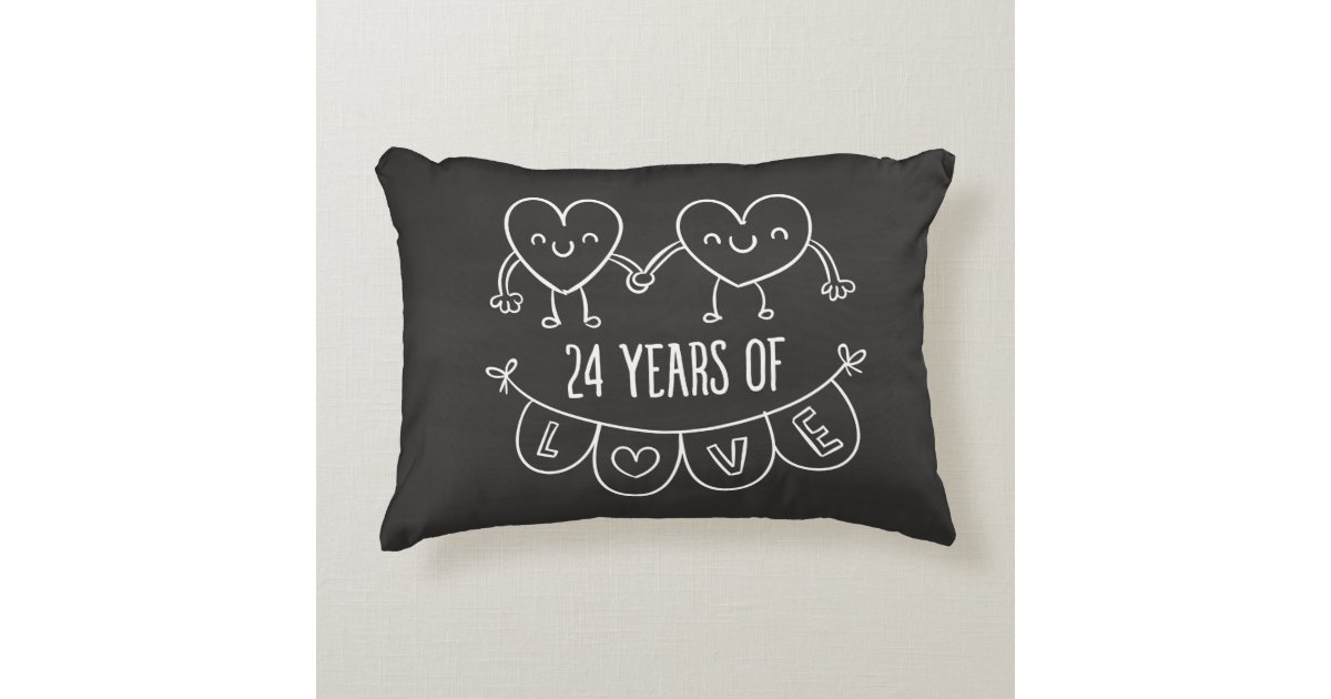 24 jahrestags geschenk kreide herzen zierkissen zazzle. Black Bedroom Furniture Sets. Home Design Ideas
