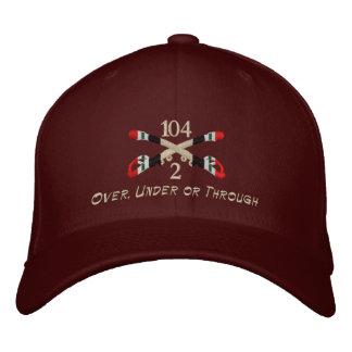 2-104th Kavallerie-der Irak gekreuzter Säbel-Hut Bestickte Baseballkappe