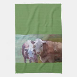2 Kühe in einem LandschaftsGeschirrtuch Handtuch