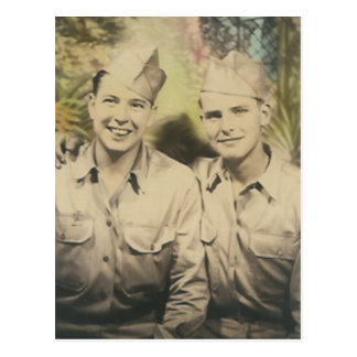 2 Männer in der Umarmungspostkarte Postkarte