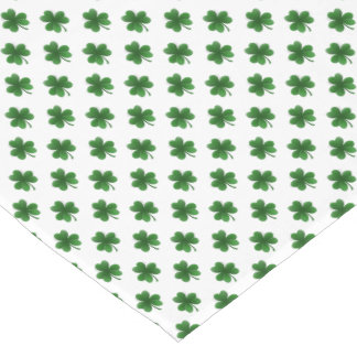 2-Ton Kleeblatt-Grün auf weißen St Patrick Klee Großer Tischläufer