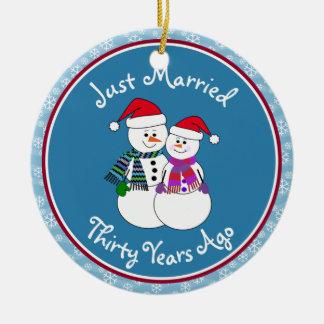 30. Jahrestags-Geschenk-Spaß-Schnee-Paare Keramik Ornament