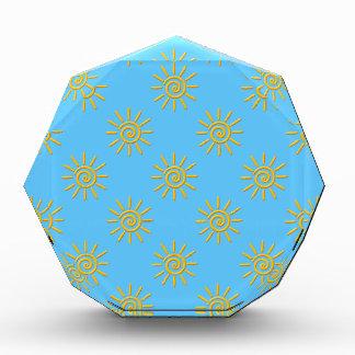 3D gelber Sun, der Muster zeichnet Auszeichnung