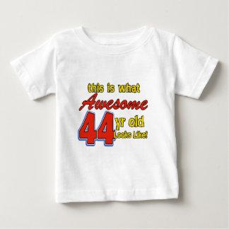 44. Geburtstagsentwürfe Baby T-shirt