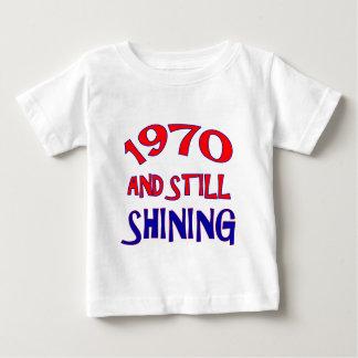 44 Jahre alte Geburtstagsentwürfe Baby T-shirt