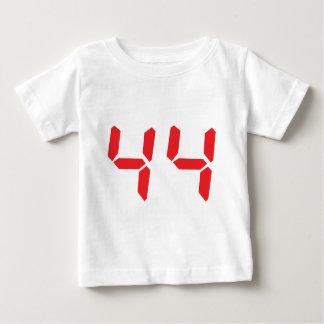 44 vierundvierzig digitale Zahl des Rot-Weckers Baby T-shirt