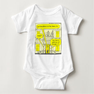 482 Lord Grandham ist im James-Cartoon Baby Strampler
