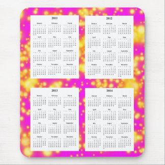 4-jähriger Kalender auf rosa Funken-Entwurf Mousepad