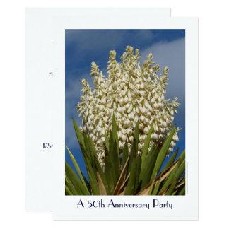 50. Jahrestags-Party Einladungblühender Yucca Karte