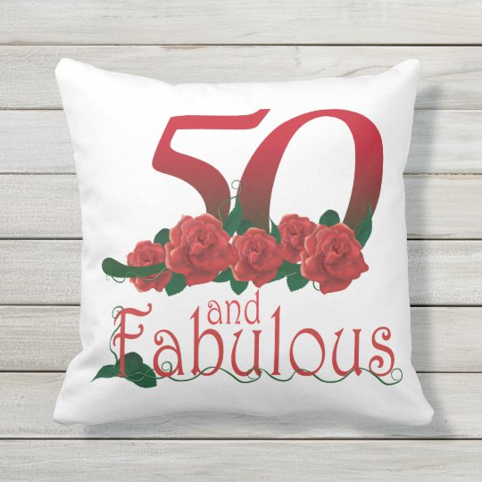 50 und fabelhaftes 50 geburtstags rote rosen kissen f r drau en zazzle. Black Bedroom Furniture Sets. Home Design Ideas