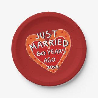 60. Jahrestag oder irgendein Jahr-Spaß-rotes Pappteller