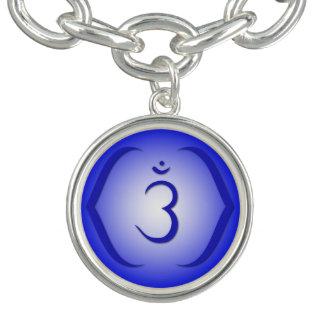 6. Chakra Charm Armbänder