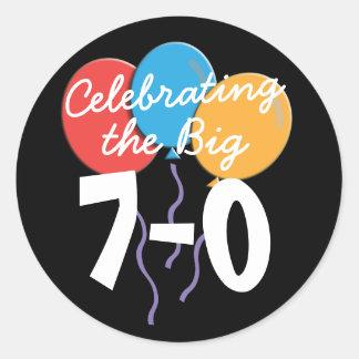 70. Geburtstag die großen 70 Aufkleber feiernd
