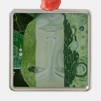 7 Maße in einem Platz Quadratisches Silberfarbenes Ornament