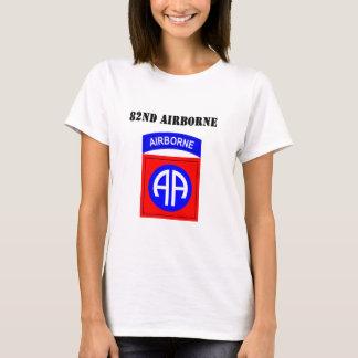 82. Im Flugzeug T-Shirt