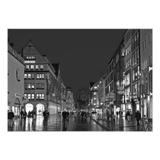 Abend bei Kaufingerstrasse in München Fotodruck
