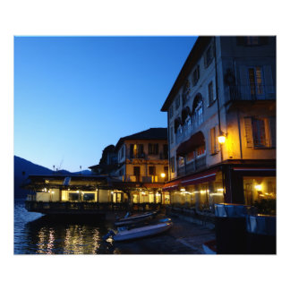 Abend durch den See in Orta San Giulio, Italien Fotodruck