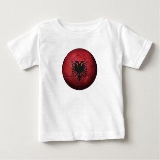 Abgenutzter albanischer Flaggen-Fußball-Fußball T-Shirts