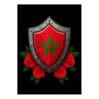 Abgenutztes marokkanisches Flaggen-Schild mit Mini-Visitenkarten