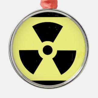 Abgenutztes radioaktives Warnsymbol Silbernes Ornament