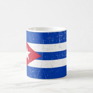Abgeriebene und verkratzte kubanische Flagge Kaffeetasse