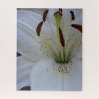Abgewischte weiße Lilie Puzzle
