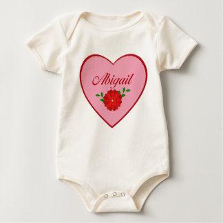 Abigail (Herz) Baby Strampler