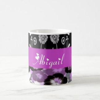 Abigail mit Blumen Kaffeetasse