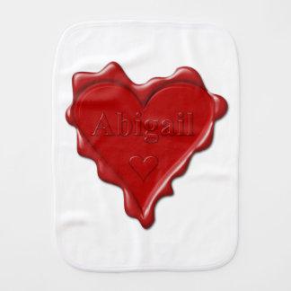 Abigail. Rotes Herzwachs-Siegel mit Namensabigail Spucktuch