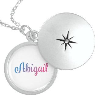 Abigail stilvoller Cursive Medaillon
