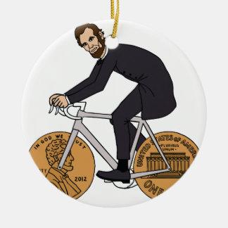 Abraham Lincoln auf einem Fahrrad mit Penny dreht Keramik Ornament